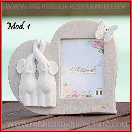 Bomboniere Matrimonio Portafoto.Portafoto Ceramica Capodimonte Cuore Con Elefanti Moderno