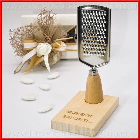 Grattugia legno e acciaio per matrimonio originali e utili for Ingrosso oggettistica cucina