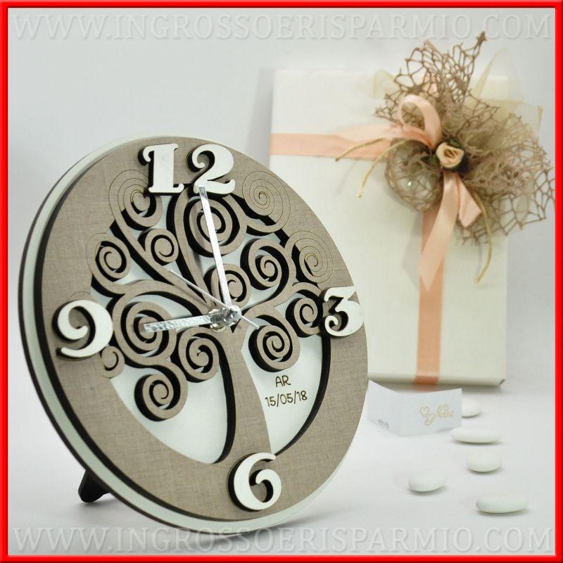 orologio da parete tondo con albero della vita e incisione