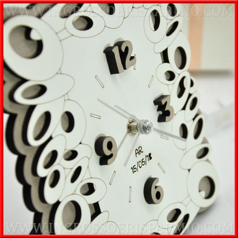 Orologi incisi in legno design originale bomboniere idee for Idee regalo design
