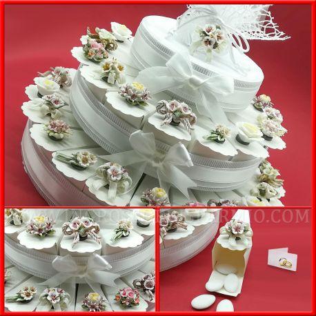 Bomboniere Matrimonio Fiori.Torte Di Bomboniere Capodimonte Fiori Con Magnete Confettata